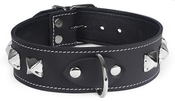 Black collar with large pyramids